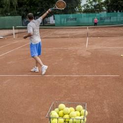 Teniszcsarnok és teniszpályák